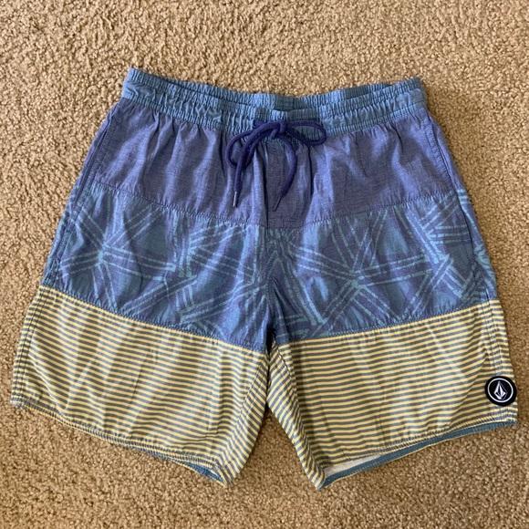 Men's Volcom Boardshorts/Swim Trunks
